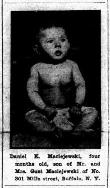 1913 Daniel K Maciejewski baby picture - Courier 9-28-1913